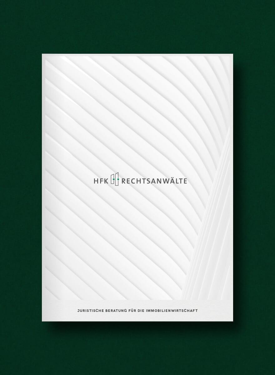 Moderne Unternehmensdarstellung in Form einer Print-Broschüre