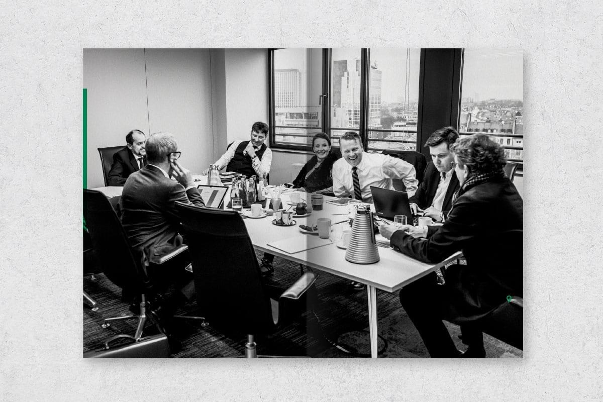 HFK Rechtsanwälte mit Projektentwicklern und Immobilieninvestoren an einem Tisch