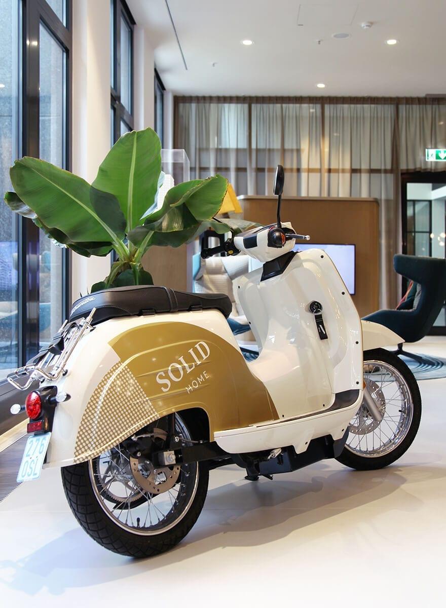 gebrandeter SOLID Home e-Roller der Trendmarke Schwalbe – done by acre