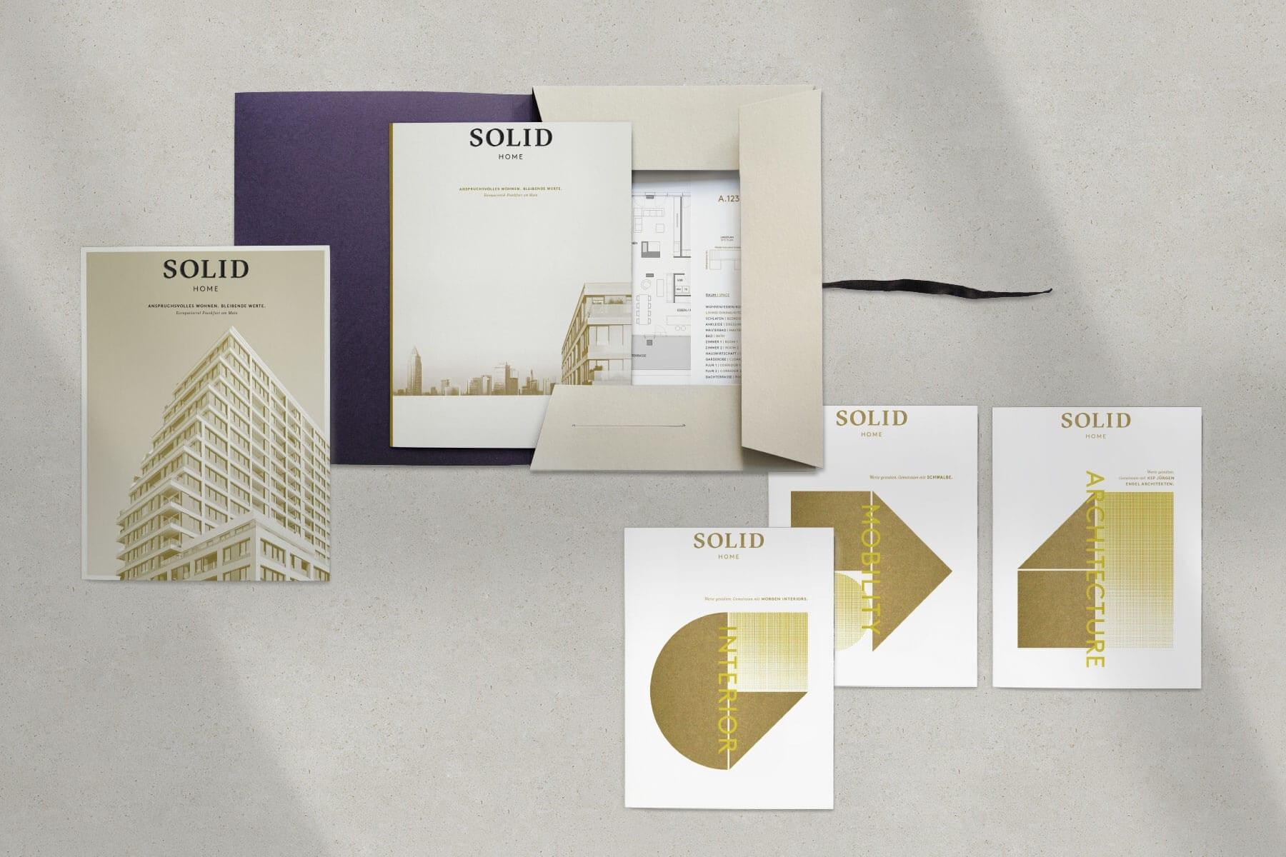 Vermaktungsunterlagen des SOLID Home Wohnprojekts gestaltet von acre