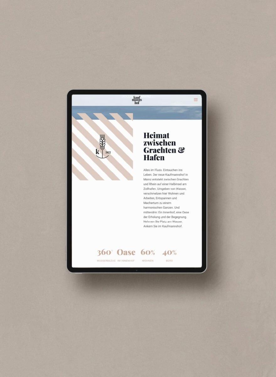 Markenentwicklung Kaufmannshof Website auf iPad