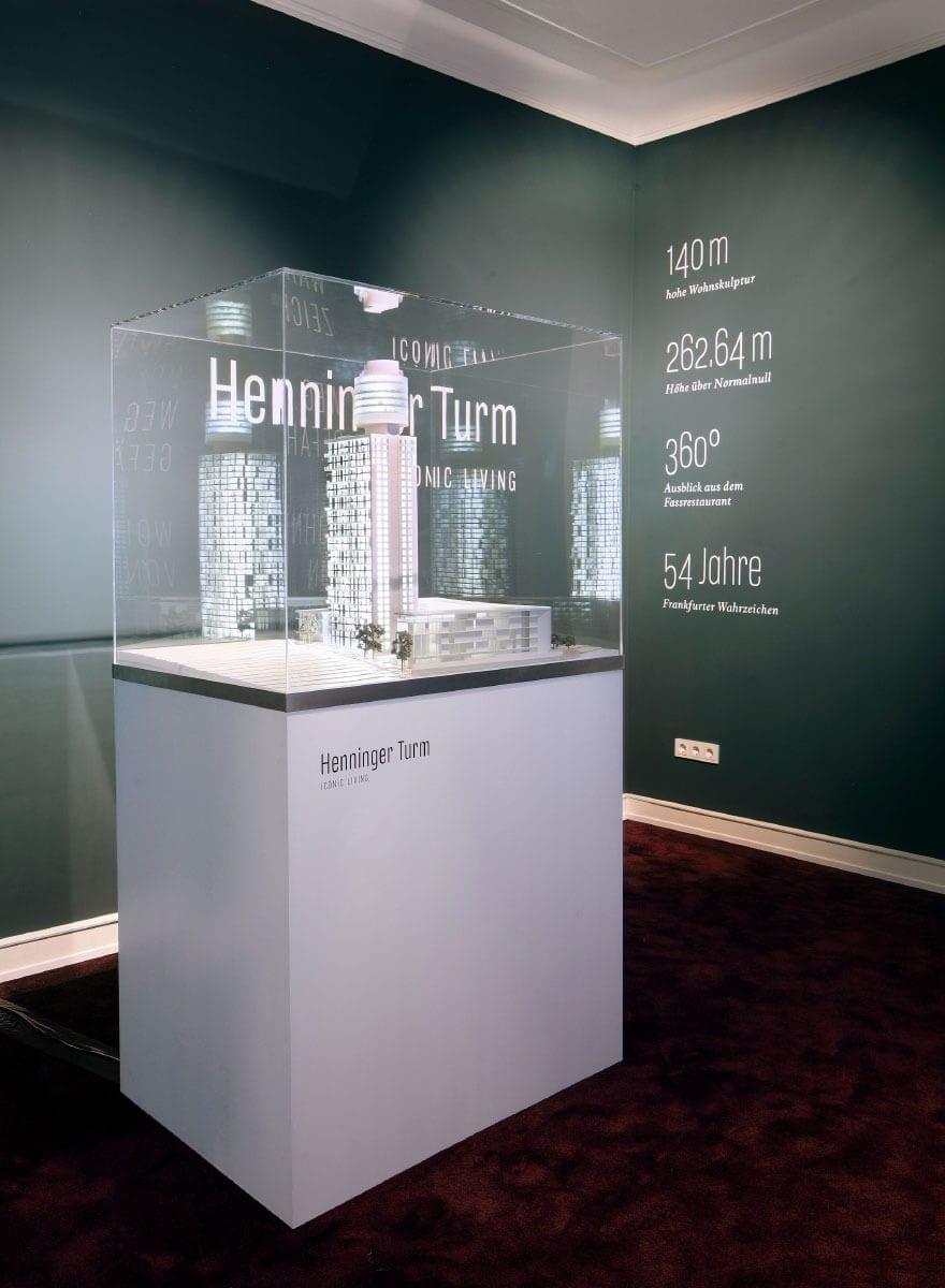 Markenauftritt Wohnturm Henninger Turm Showroom Modell